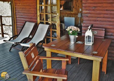 Log Cabin private viewing deck